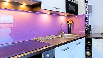 How To Clean A Glass Splashback Like a Pro